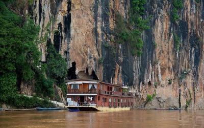 Mekong River - Pak Ou Cave - Laos tour